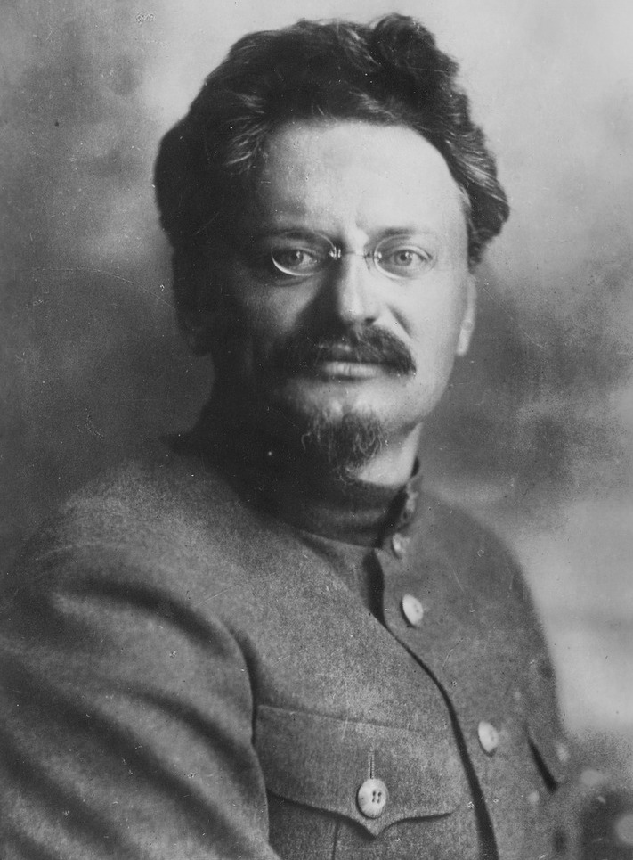 Photograph of Trotsky that appeared on the cover of the magazine ''Prozhektor'' in January 1924