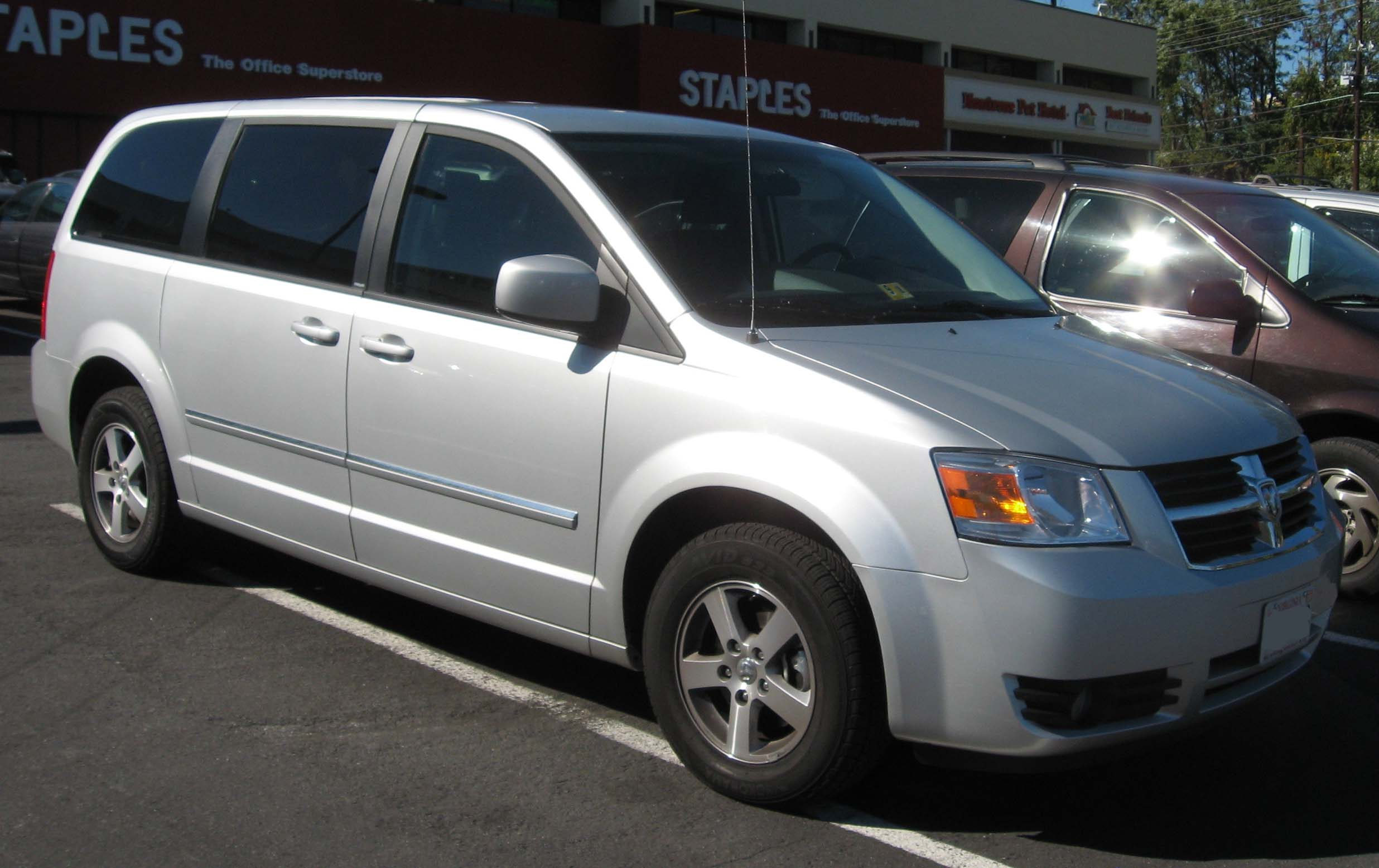 File 08 Dodge Grand Caravan 1 Jpg Wikimedia Commons