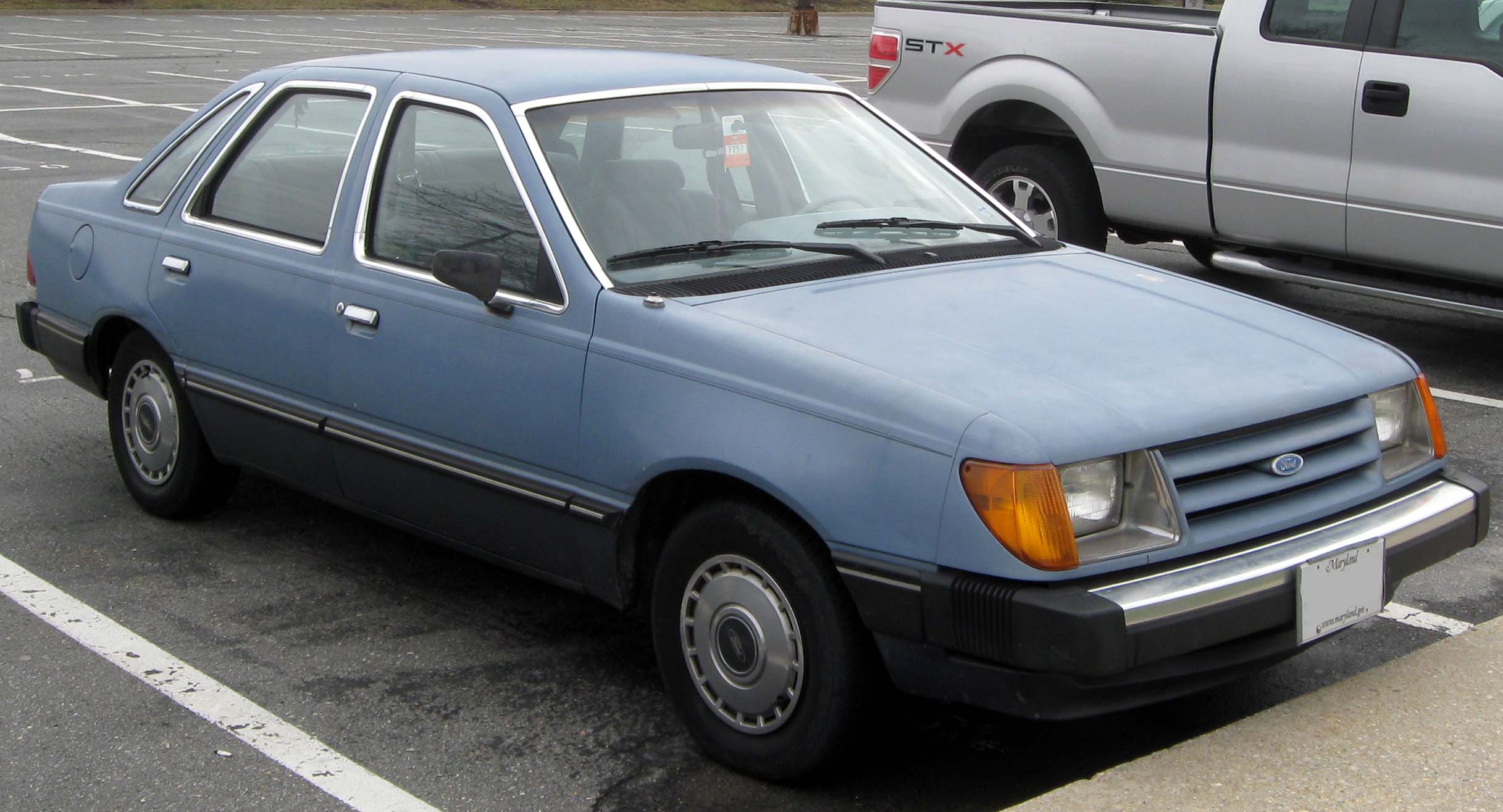 File:1984-1985 Ford Tempo sedan -- 03-09-2011.jpg - Wikipedia, the ...