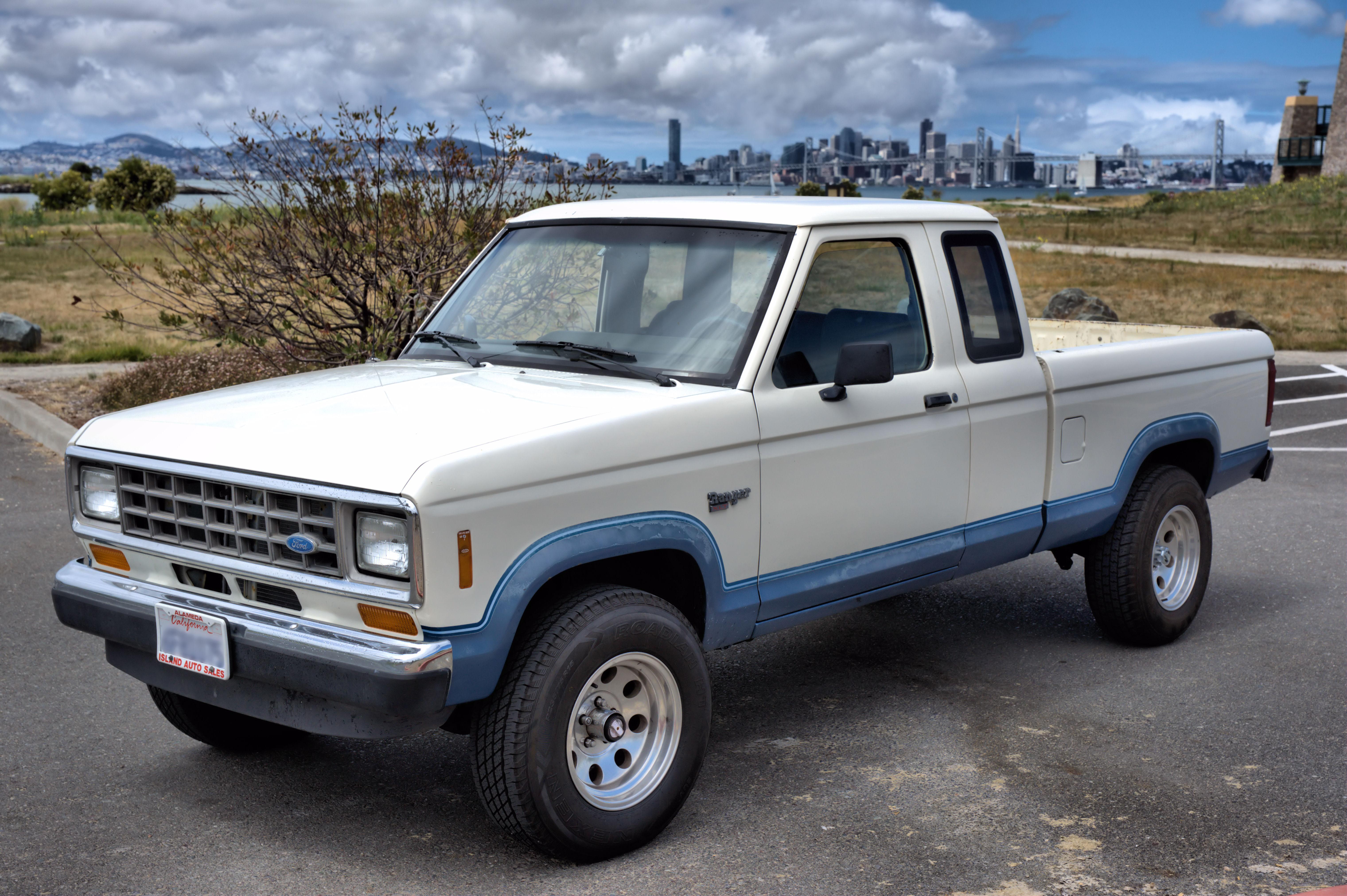 Description 1988 Ford Ranger.jpg