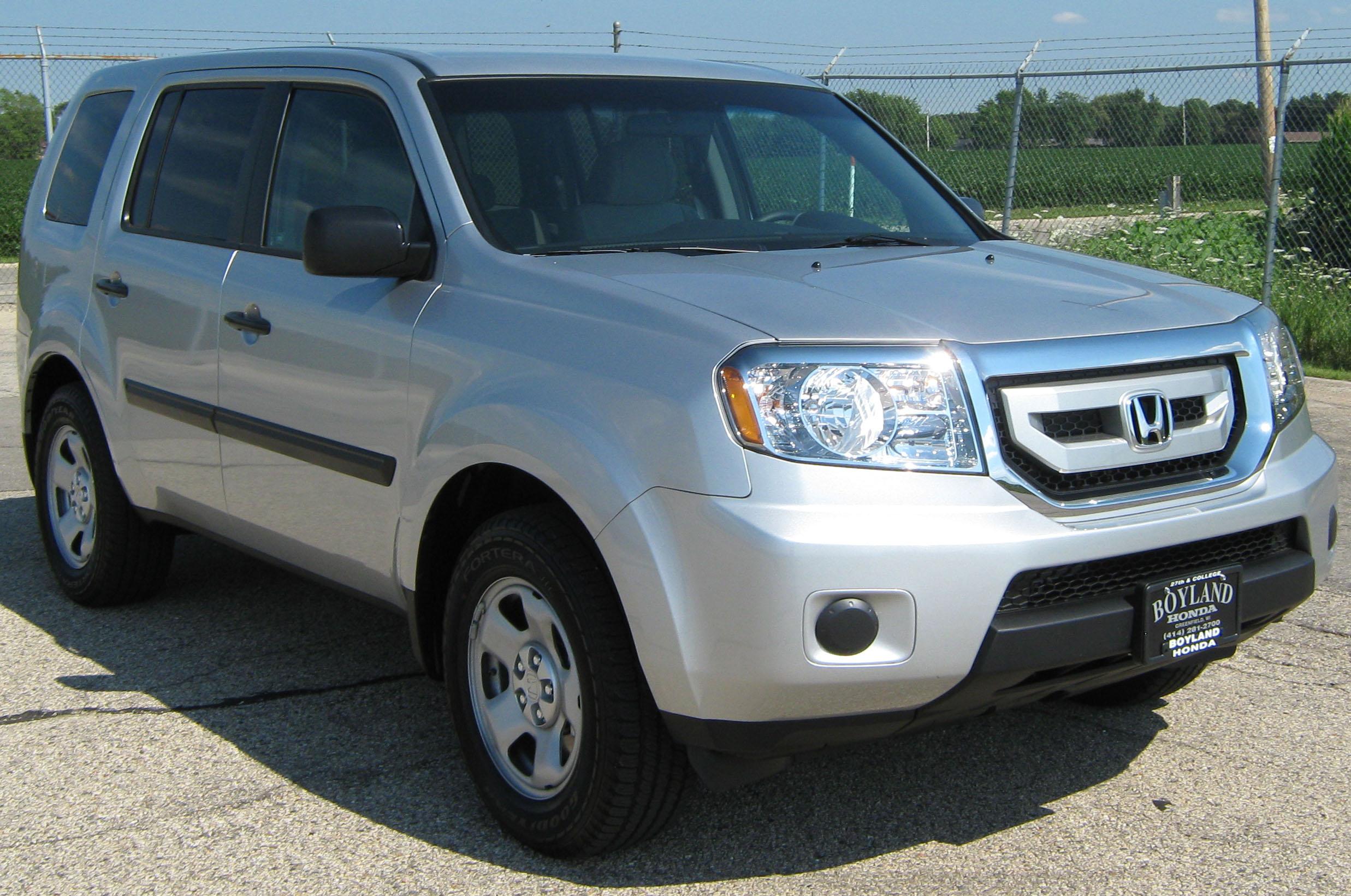 Safe Car Gov >> File:2011 Honda Pilot -- LX NHTSA.jpg - Wikimedia Commons