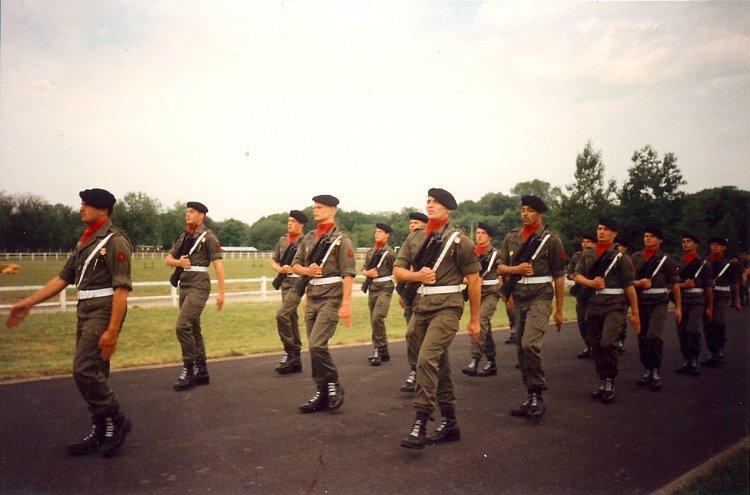 Fichier:3e régiment d'artillerie à Mailly le camp (1989).jpg
