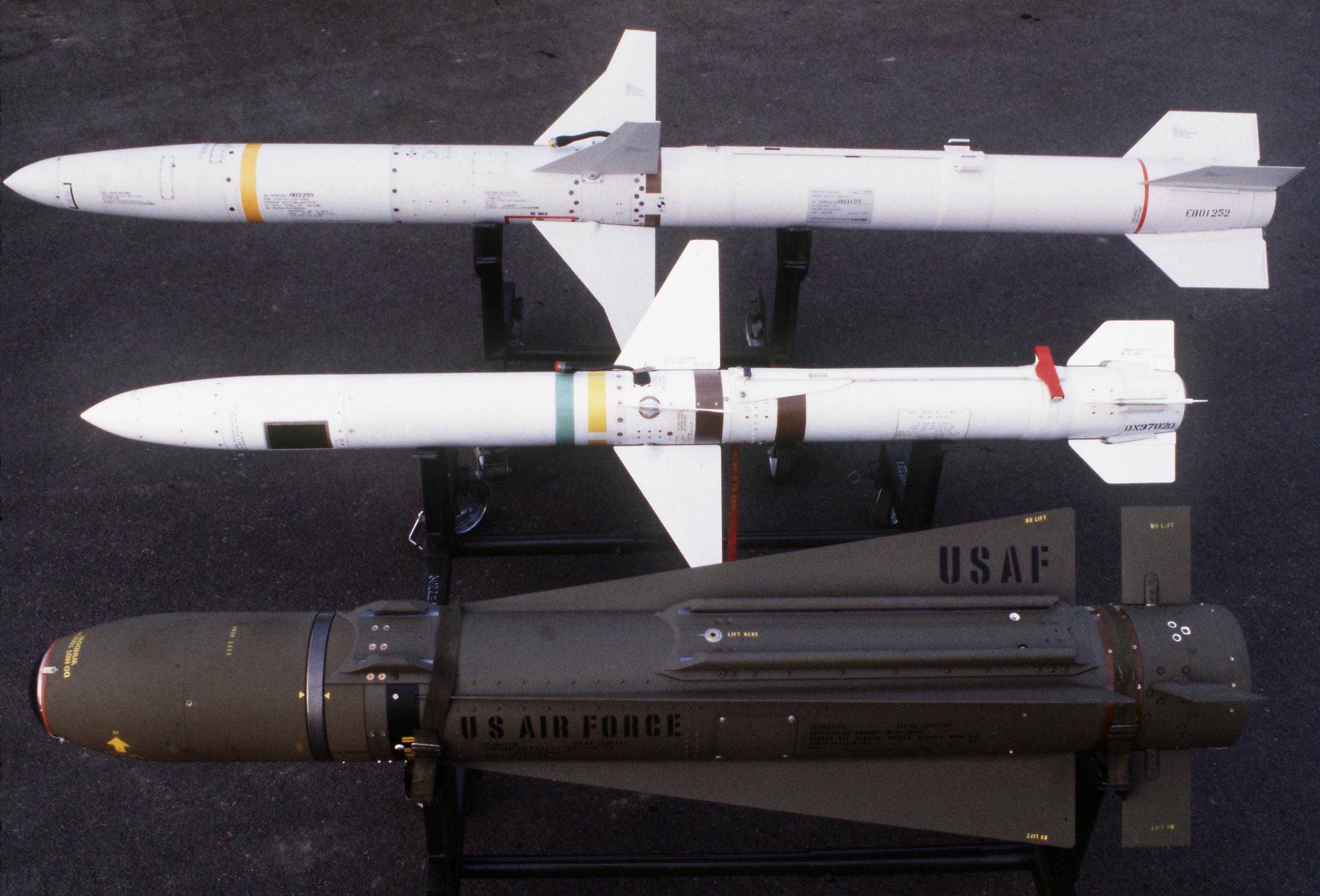 لائحة الأسلحة و الأجهزة التي تسلمتها الدول من المخزون الأمريكي - صفحة 2 AGM-88_AGM-45_and_AGM-65