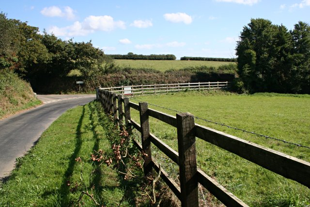 Different Types of Fences To Consider When Looking To Buy