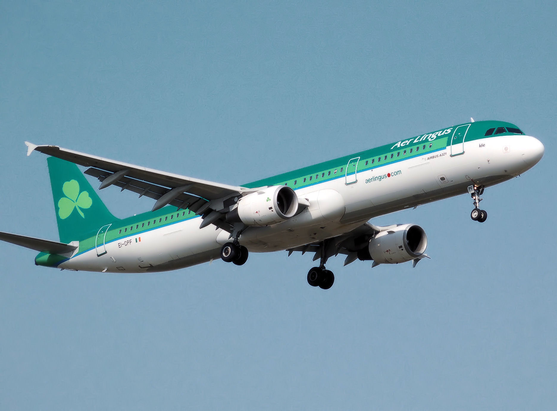 File:Aer.lingus.a321-200.ei-cpf.arp.jpg - Wikimedia Commons
