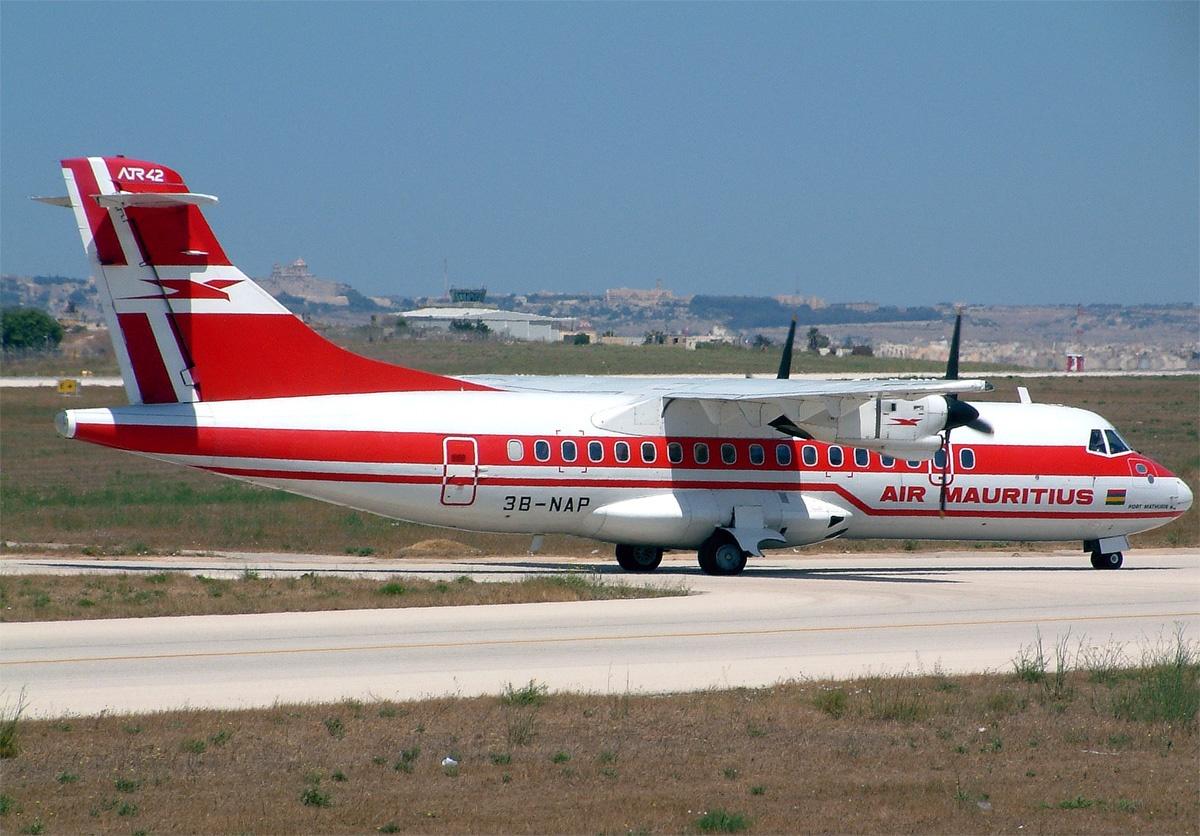 Air Mauritius ATR-42-300 3B-NAP MLA 2002-6-16.png