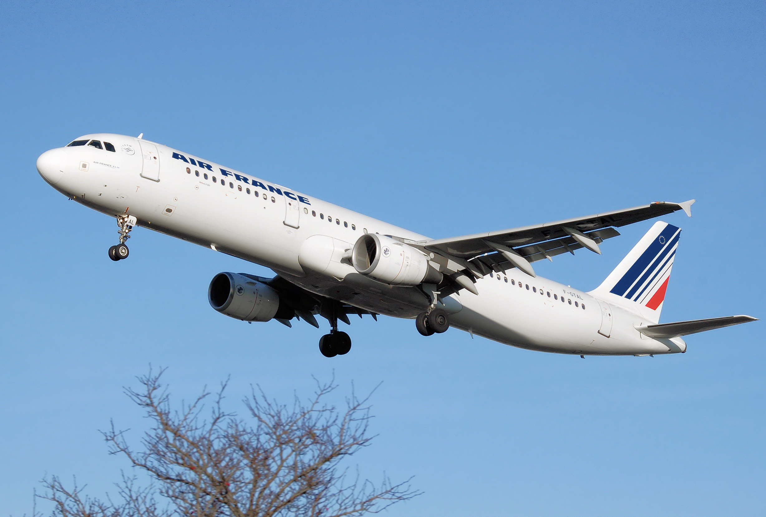 File air france a321 200 f gtal wikimedia commons for Force interieur