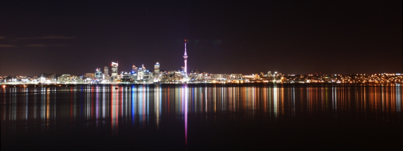 File:Auckland City & Skytower at night.jpg - Wikimedia Commons