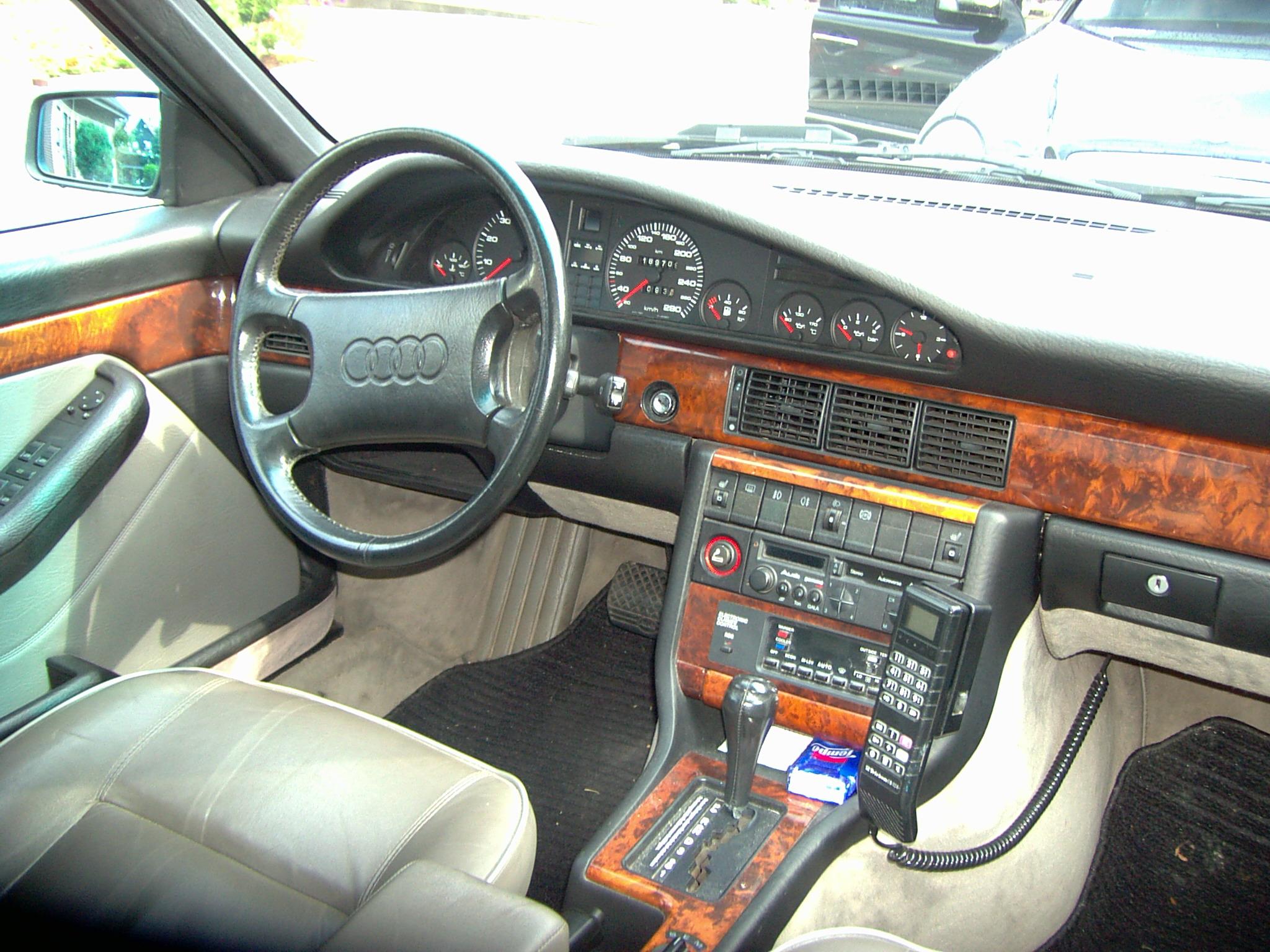 File Audi V8 Innen Jpg Wikimedia Commons