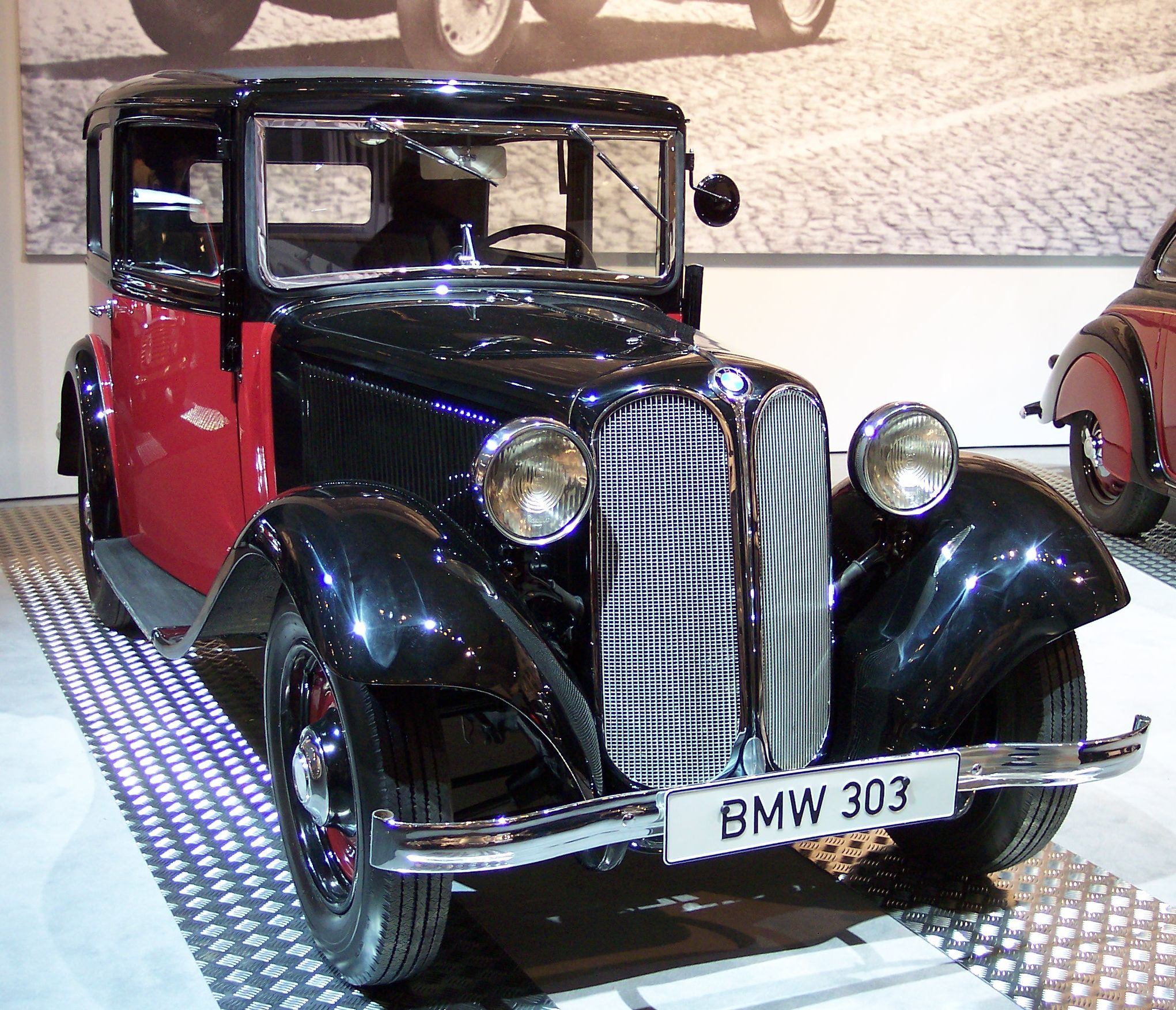File:BMW 303 1933 bicolor vr TCE.jpg - Wikimedia Commons