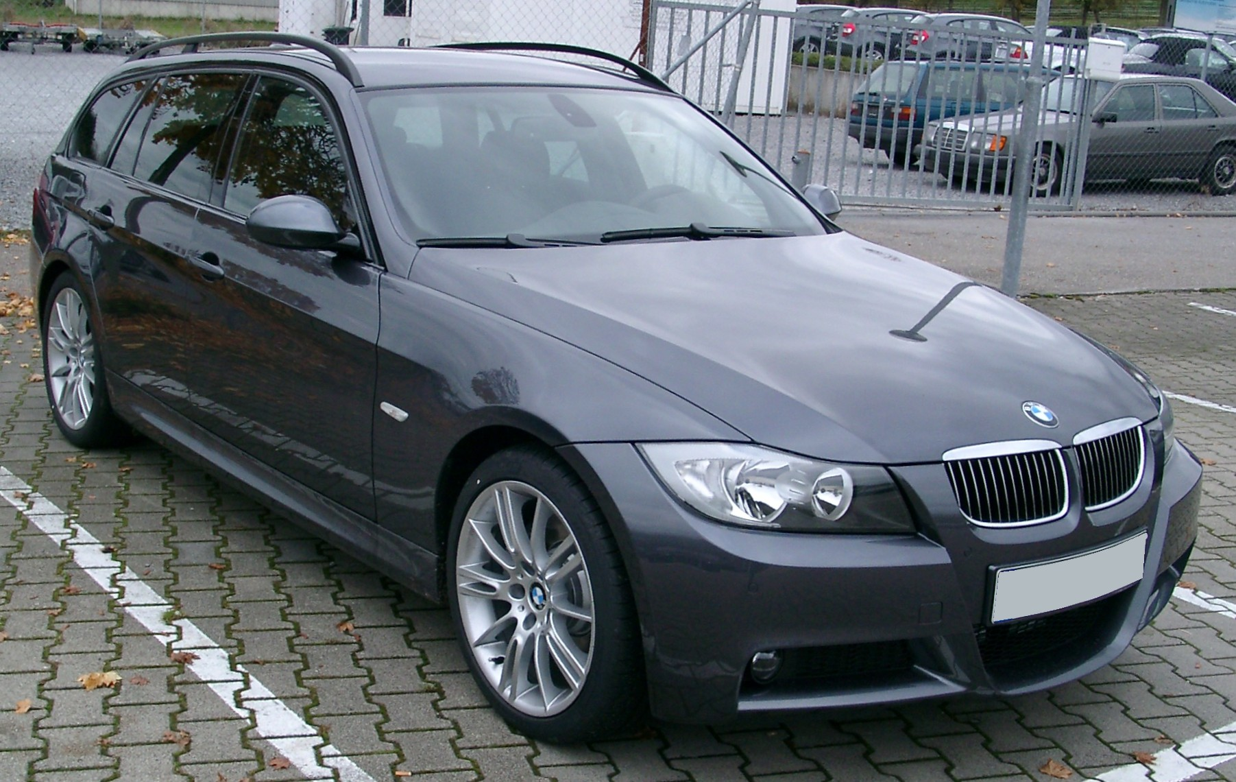 Bmw E90 Wiki >> File:BMW E90 Touring front 20071104.jpg - Wikimedia Commons