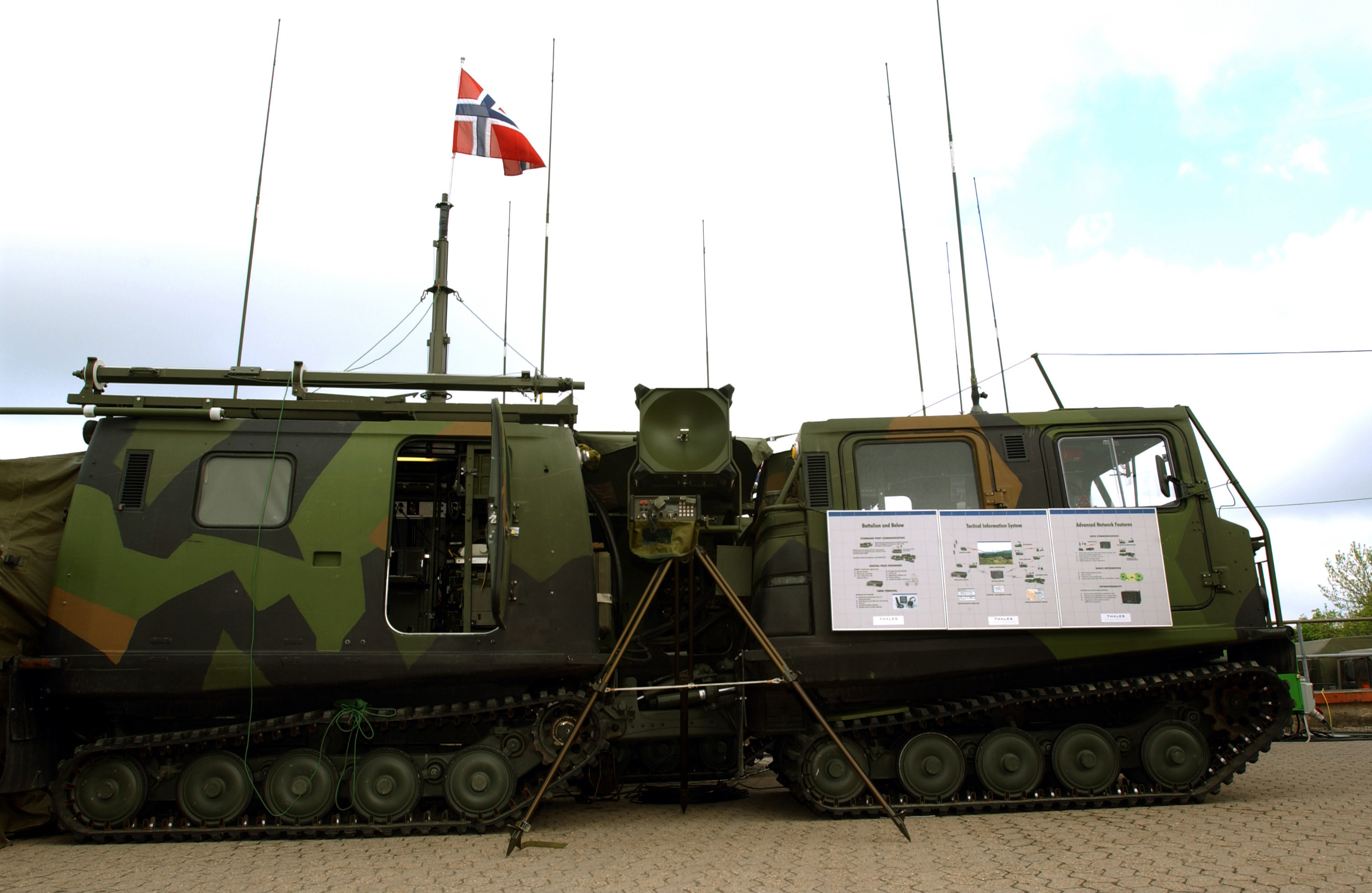 Wolldecke Norwegische Armee : File bv command vehicle g wikimedia commons