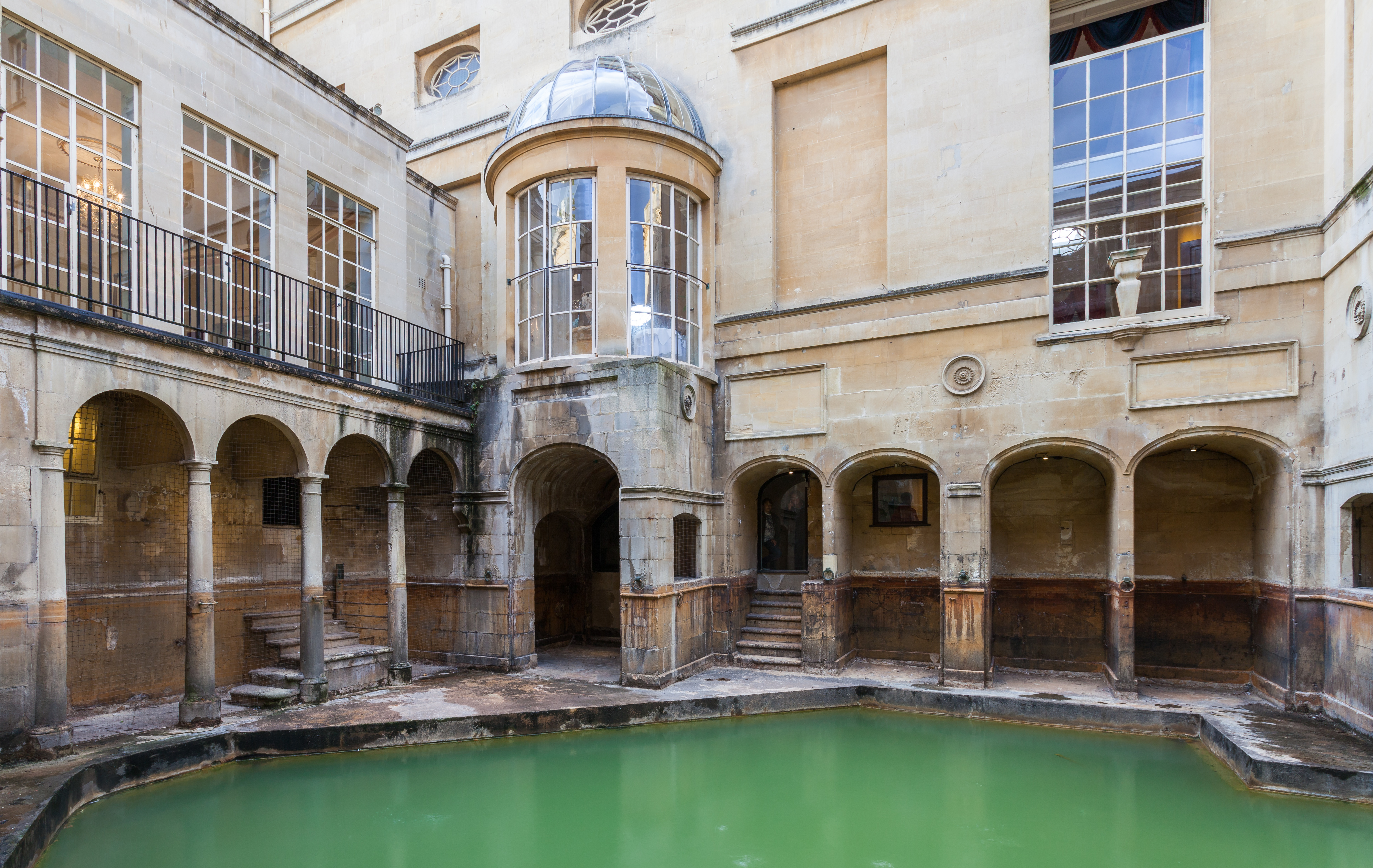Baños Romanos Bath Inglaterra: Baño del Rey, Baños Romanos, Bath, Inglaterra, 2014-08-12, DD 29JPG