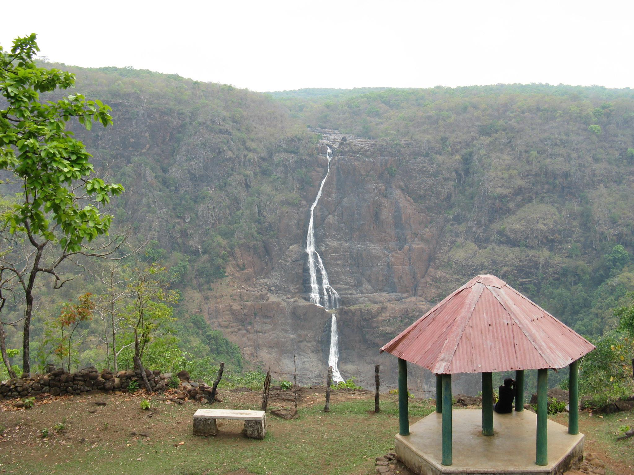 Barehipani Falls - Wikipedia