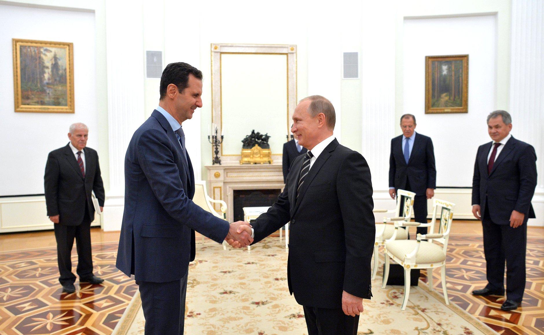https://upload.wikimedia.org/wikipedia/commons/1/1f/Bashar_al-Assad_in_Russia_(2015-10-21)_06.jpg