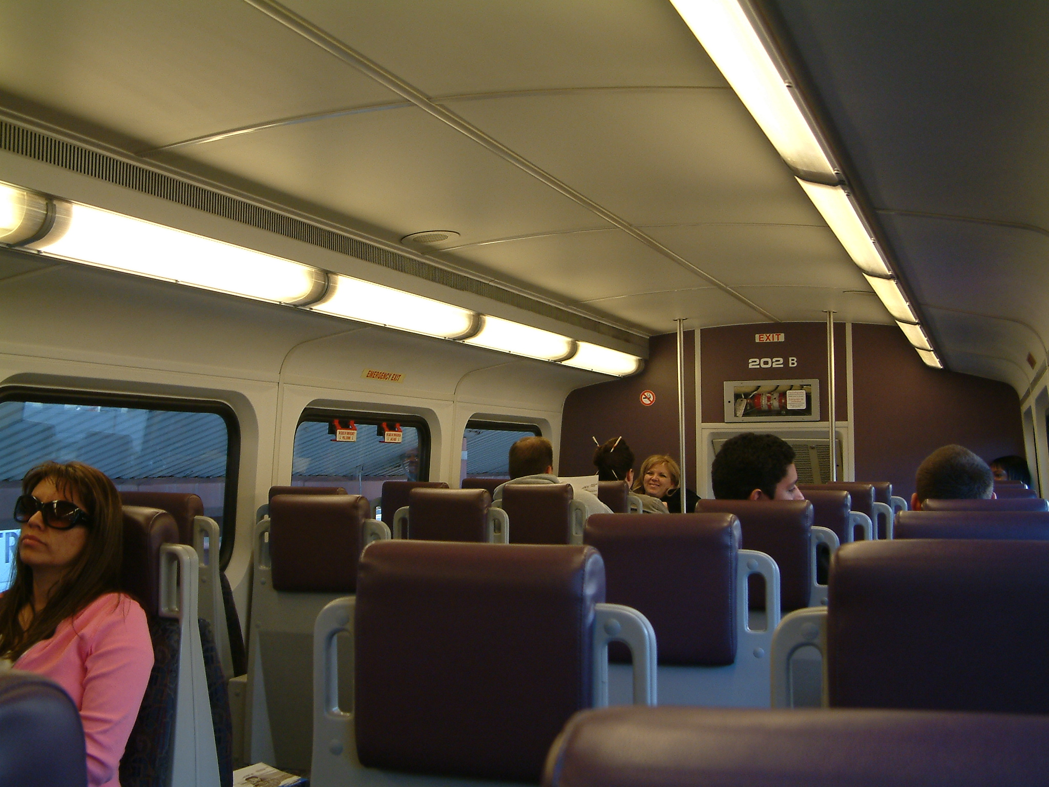 file bombardier bi level train interior in wikimedia commons. Black Bedroom Furniture Sets. Home Design Ideas