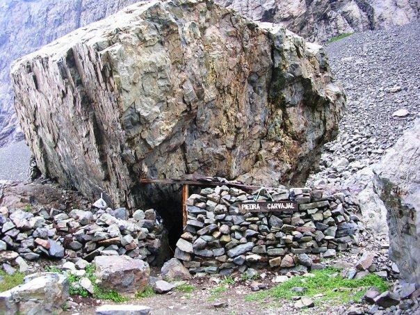 Casa de piedra wikipedia la enciclopedia libre - La casa de las piedras ...