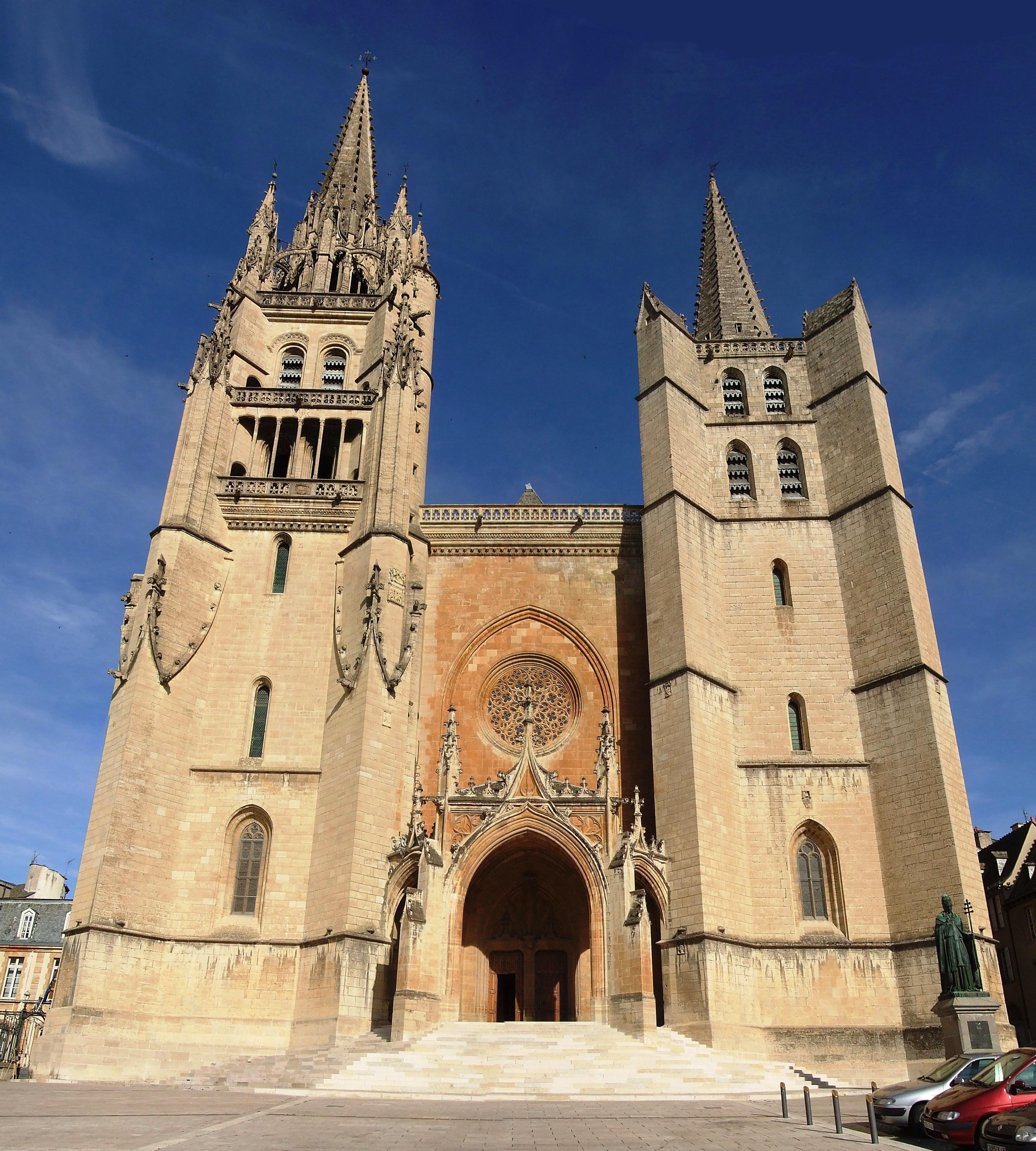 Cath%C3%A9drale_Notre-Dame_et_Saint-Privat_-_Mende_-Loz%C3%A8re.jpg