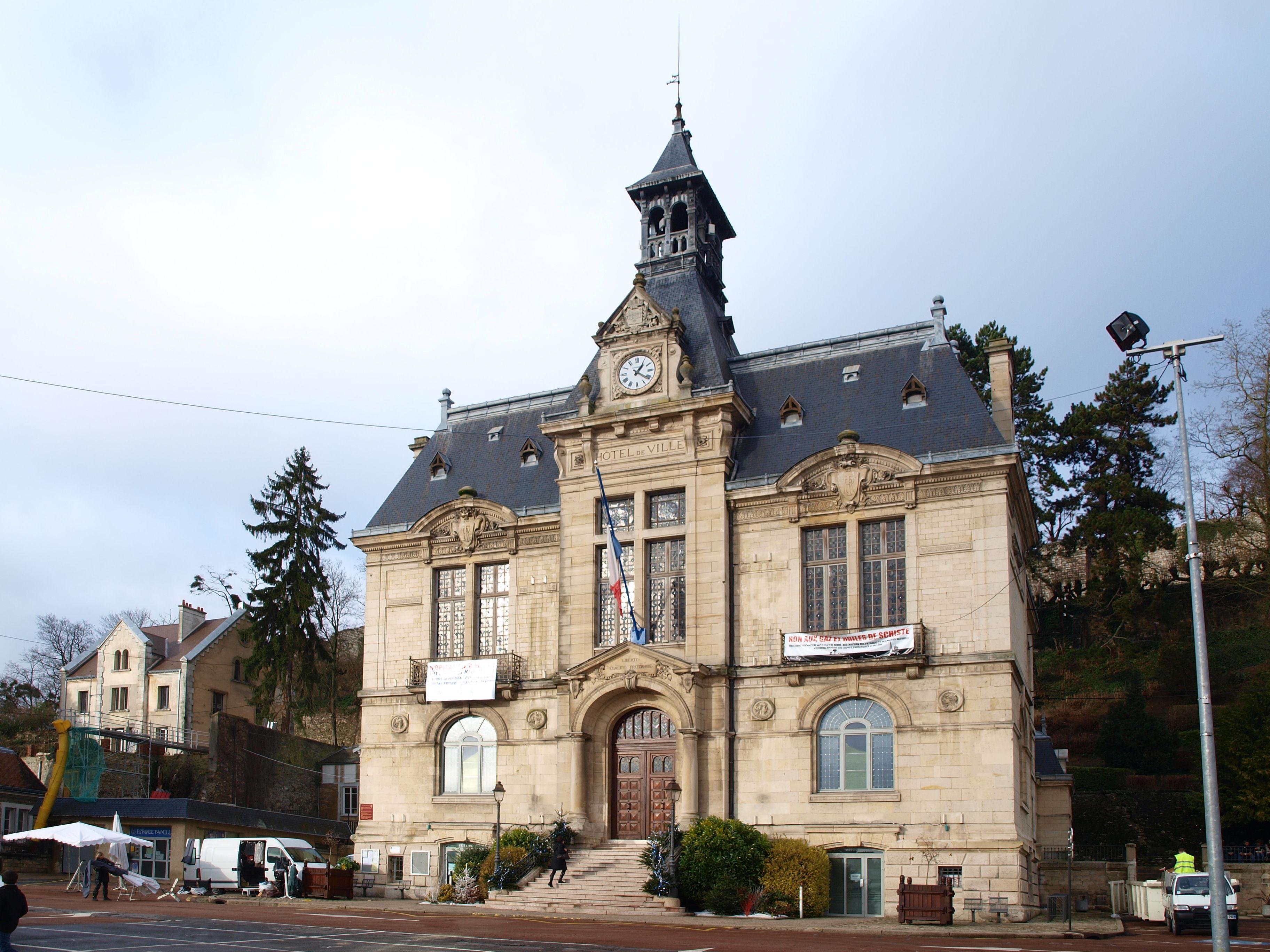 File ch teau thierry 02 mairie a02 jpg wikimedia commons for Bureau 02 chateau thierry