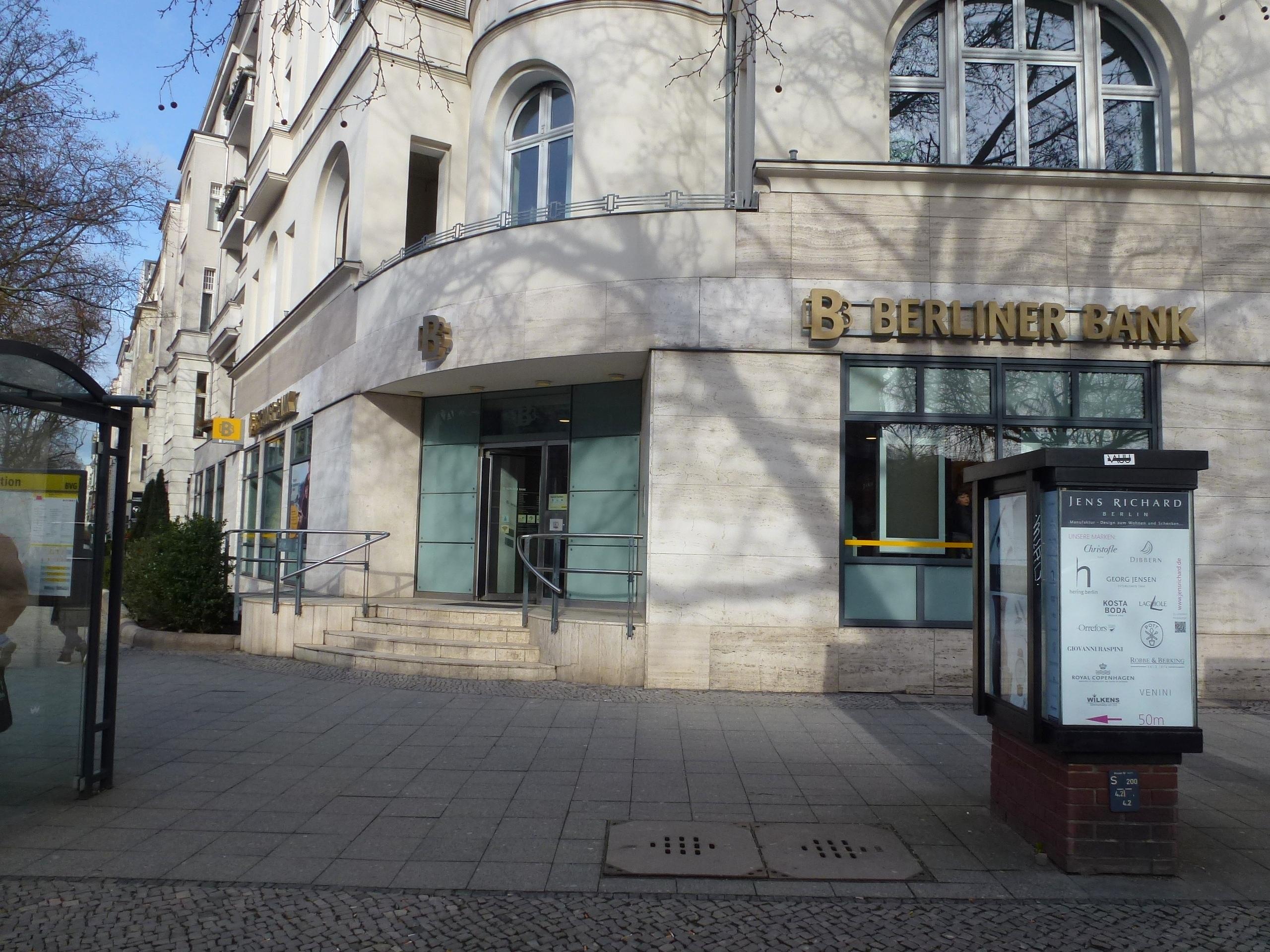 File:Charlottenburg Kurfürstendamm 62 Berliner Bank-010.jpg ... on