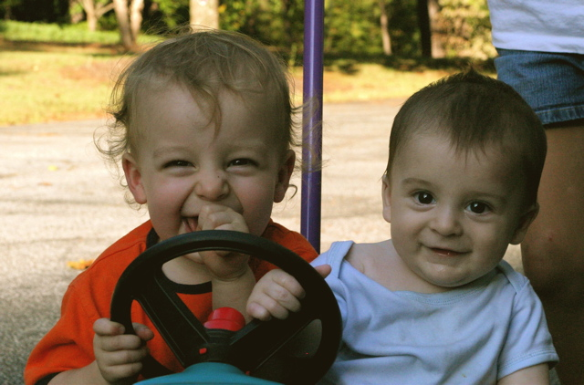 Fil:Children play in push car.jpg