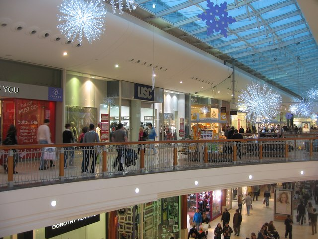 Christmas Shopping - geograph.org.uk - 1103472