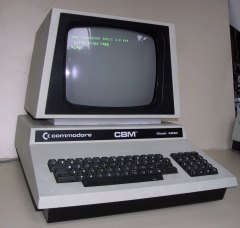 Commodore PET 4032 - SOURCE:http://commons.wikimedia.org