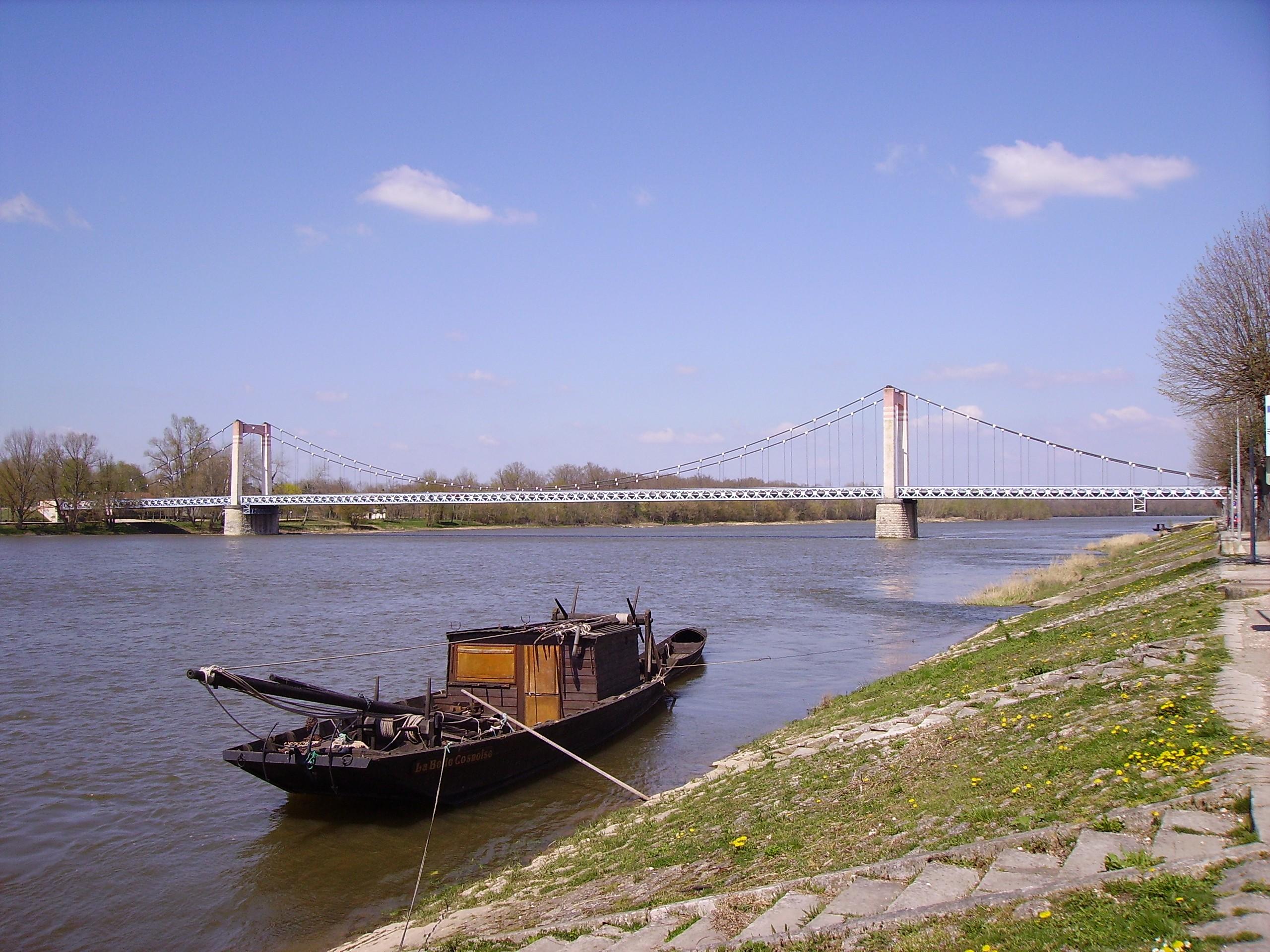 file cosne cours sur loire bridge jpg wikimedia commons