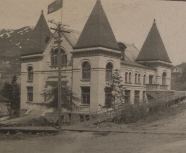 File:Court House, Rossland, British Columbia (HS85-10-20784) (cropped).jpg
