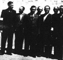 Członkowie Judenratu w Szydłowcu.jpg