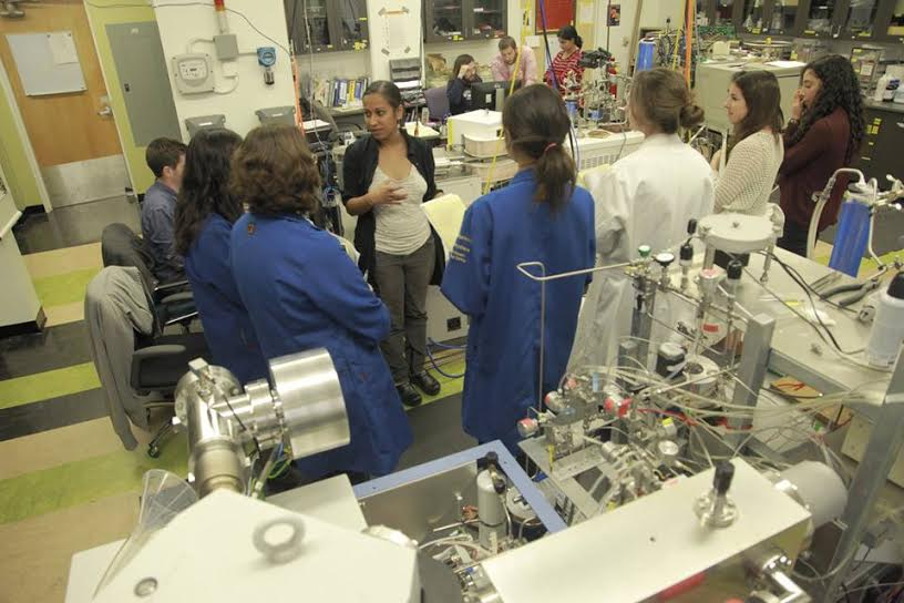 Aradhna Tripati and a group of community college students in one of her research laboratories.