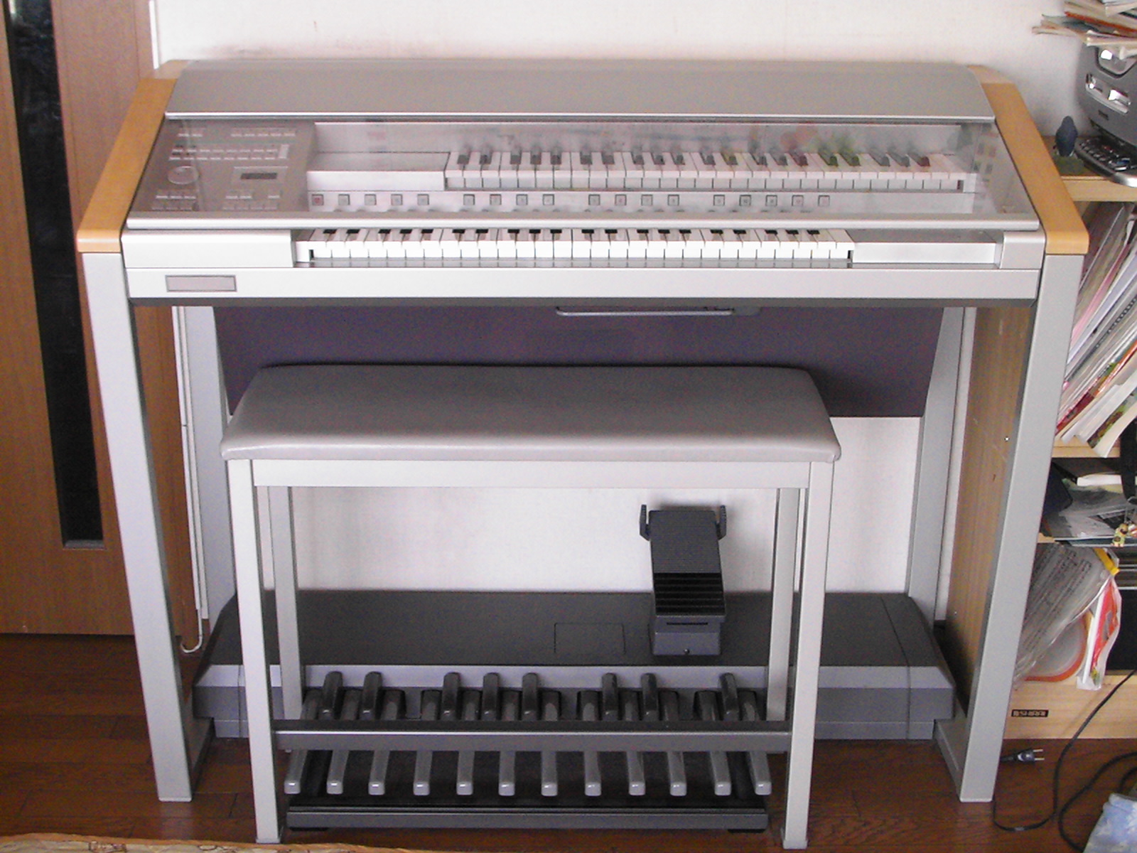 Rodgers Touring Organ Black Beauty