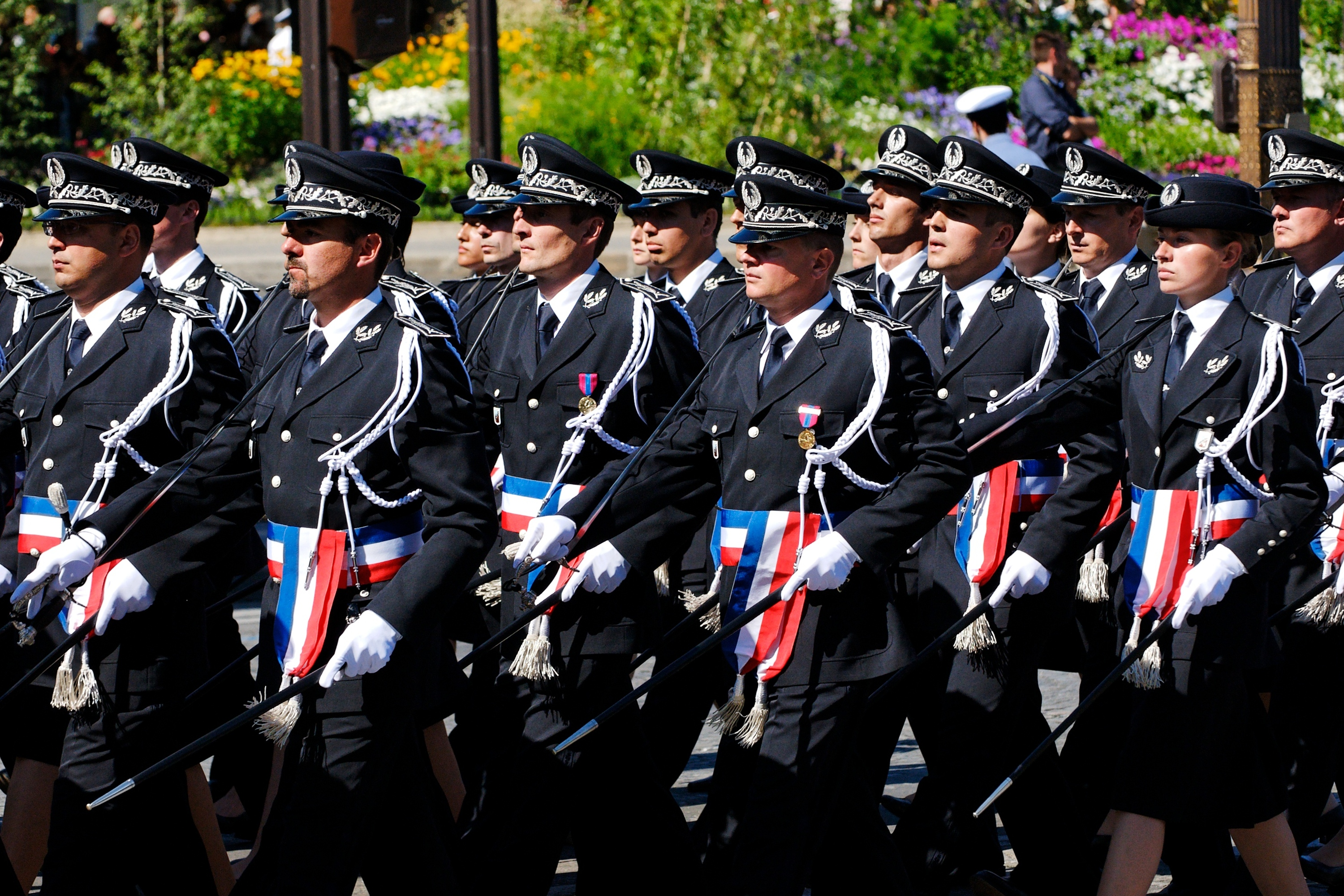 http://upload.wikimedia.org/wikipedia/commons/1/1f/ENSP_trainees_Bastille_Day_2008.jpeg