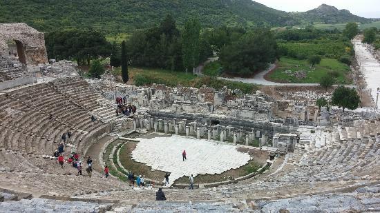 File:Efes-antik-kenti-tiyatrosu.jpg - Wikimedia Commons