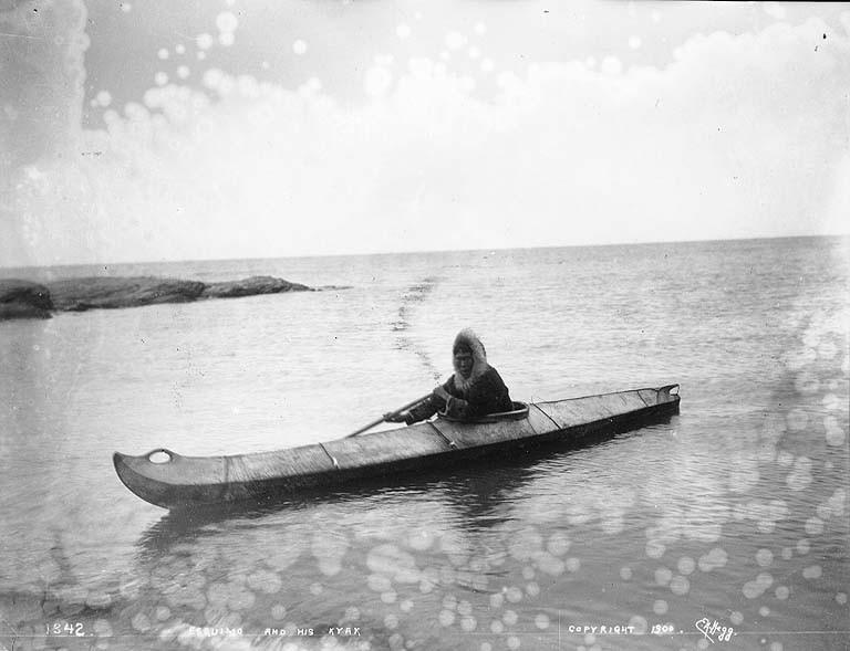 https://upload.wikimedia.org/wikipedia/commons/1/1f/Eskimo_in_kayak%2C_probably_Alaska%2C_1900_%28HEGG_292%29.jpeg