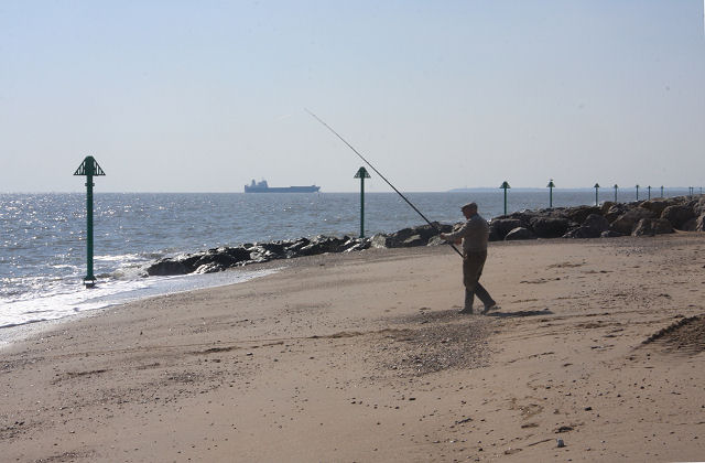 File:Fishing from Felixstowe beach - geograph.org.uk - 981720.jpg