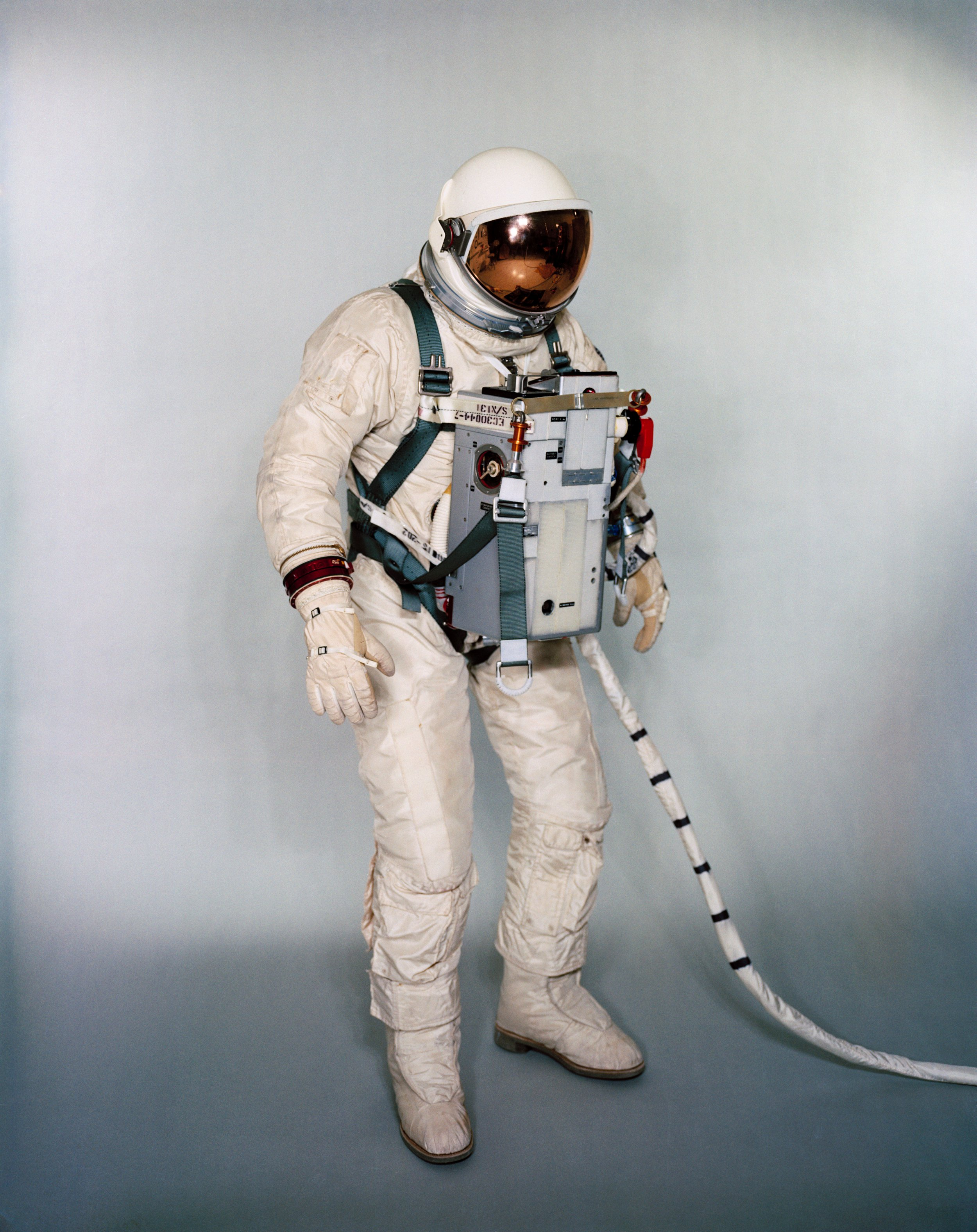 astronauts space suits cooling system - photo #38