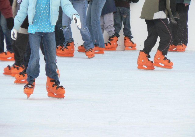 Greenwich, orange feet - geograph.org.uk - 651521