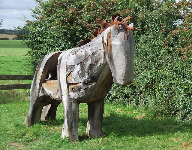 Henhull - Canalside Horse Sculpture