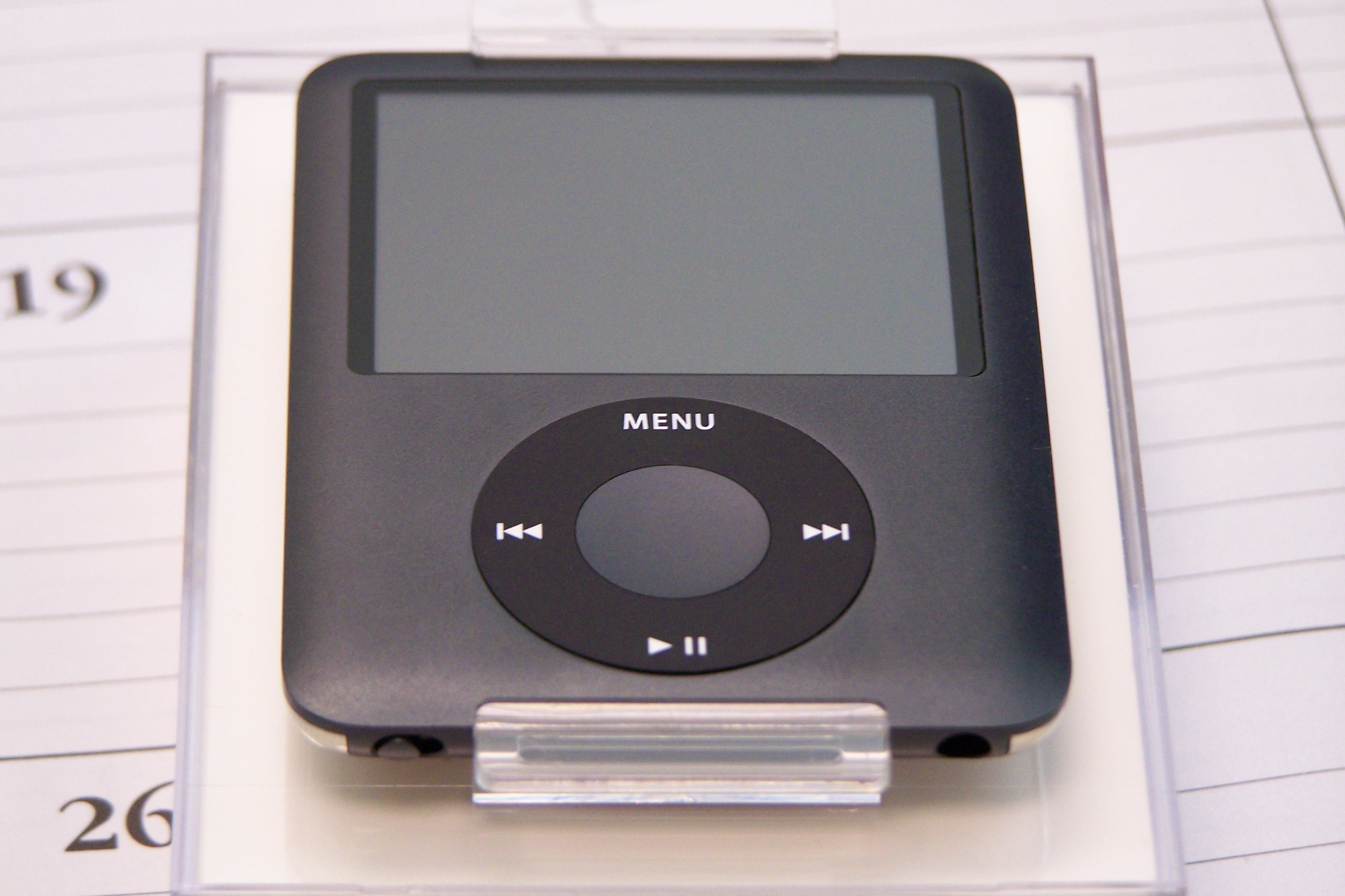 rip apple ipod iconic digital player that beat them all. Black Bedroom Furniture Sets. Home Design Ideas