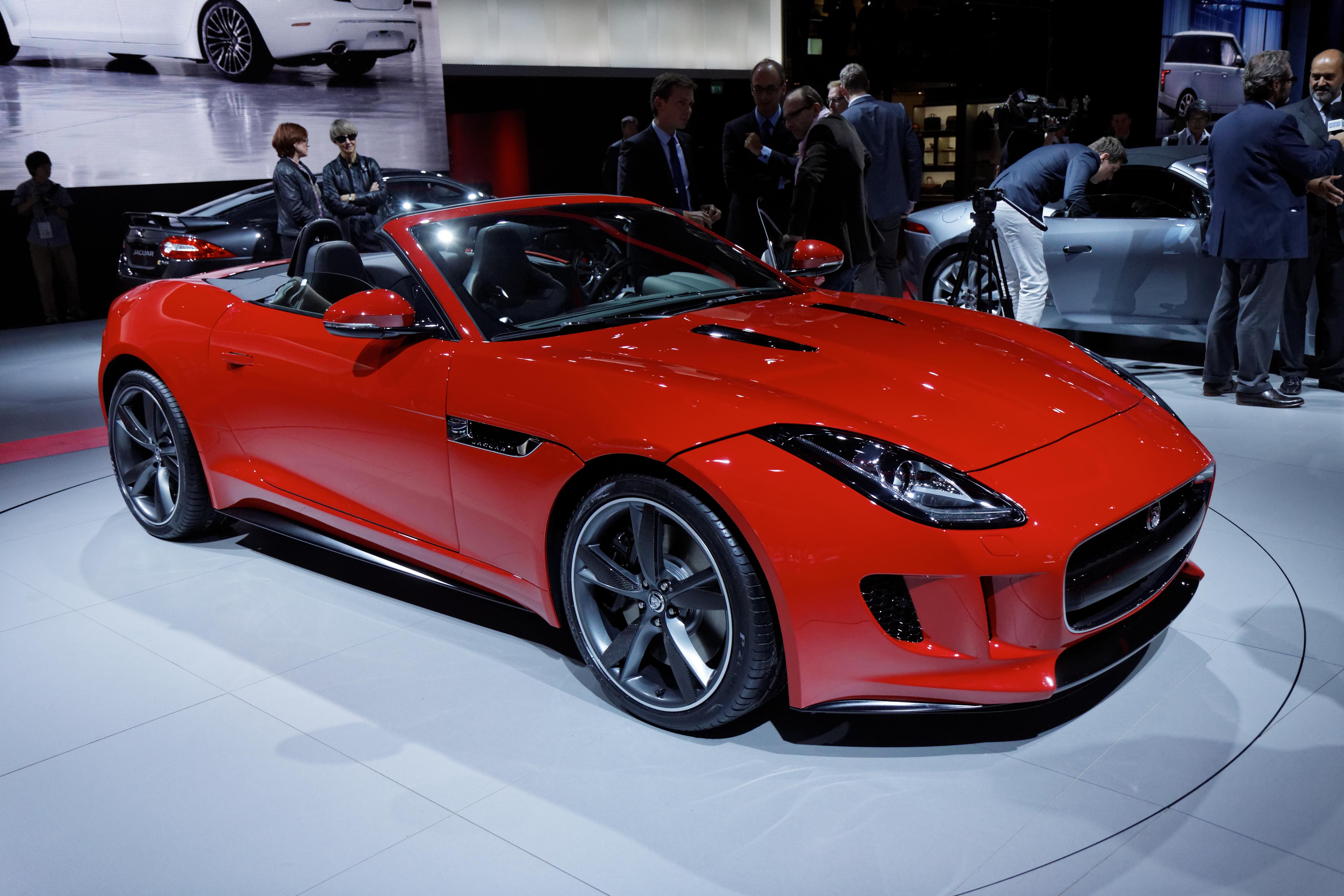file jaguar f type mondial de l 39 automobile de paris 2012 wikimedia commons. Black Bedroom Furniture Sets. Home Design Ideas