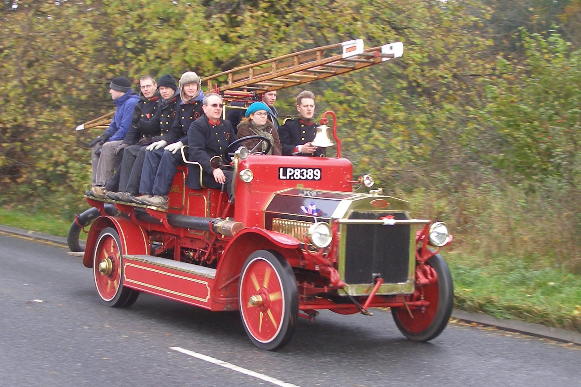 LP8389-1916-Dennis-B-type.jpg