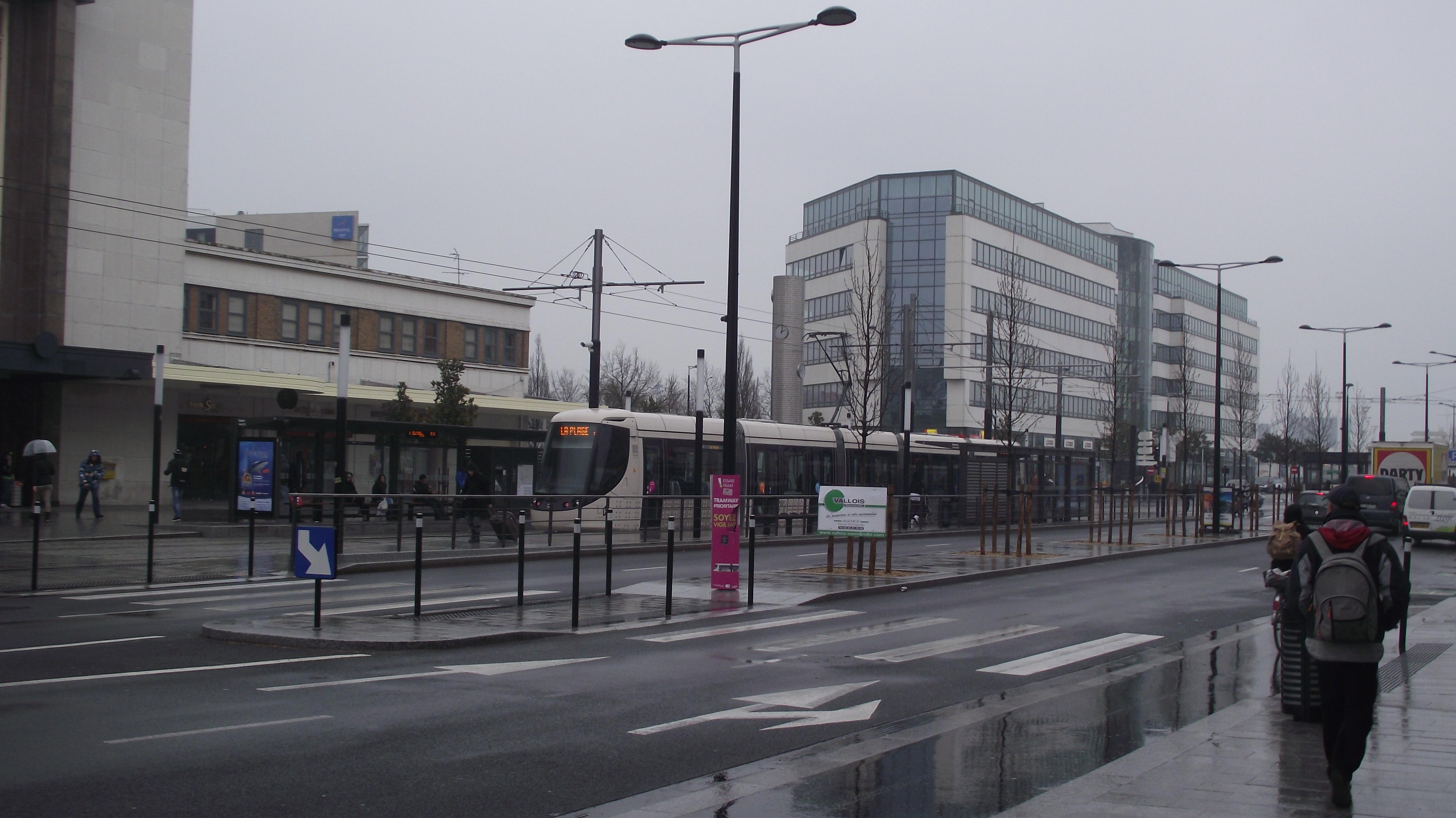 file le havre tram halt gare sncf i jpg wikimedia commons