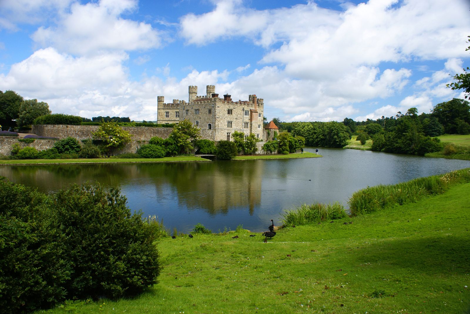Best Castles In England: Leeds Castle