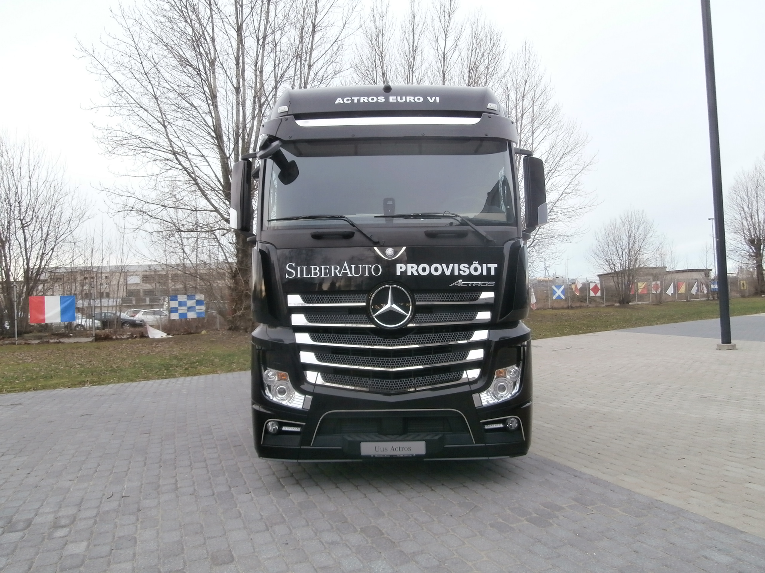 Mercedes actros 2013 images galleries for Mercedes benz astros