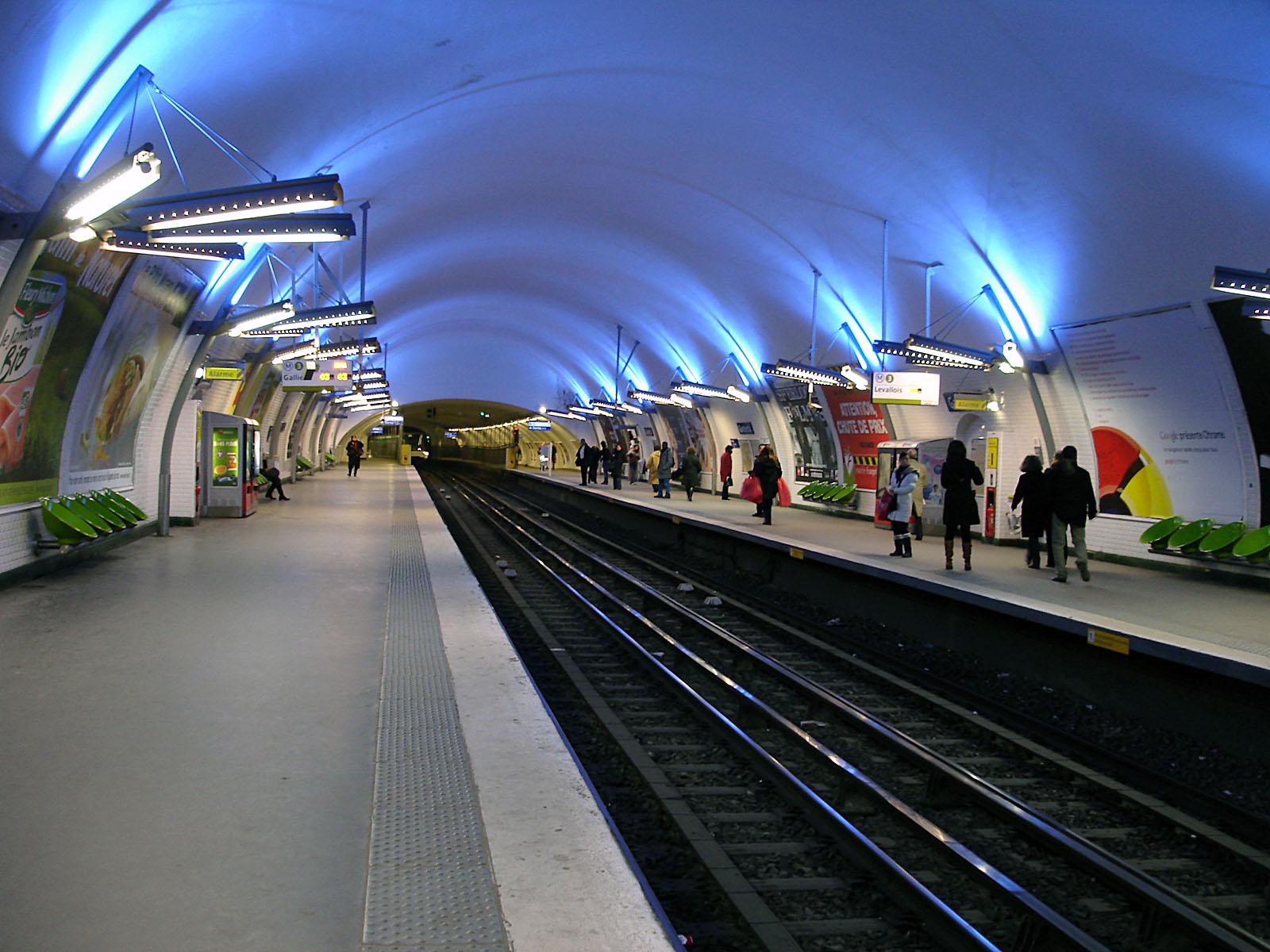 Métro Gambetta ligne 3