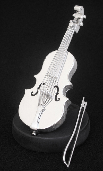 silver fiddle This is a rare, large service in a fitted period box known for their superb flatware, the shop of george adams produced beautiful cutlery of the highest quality.