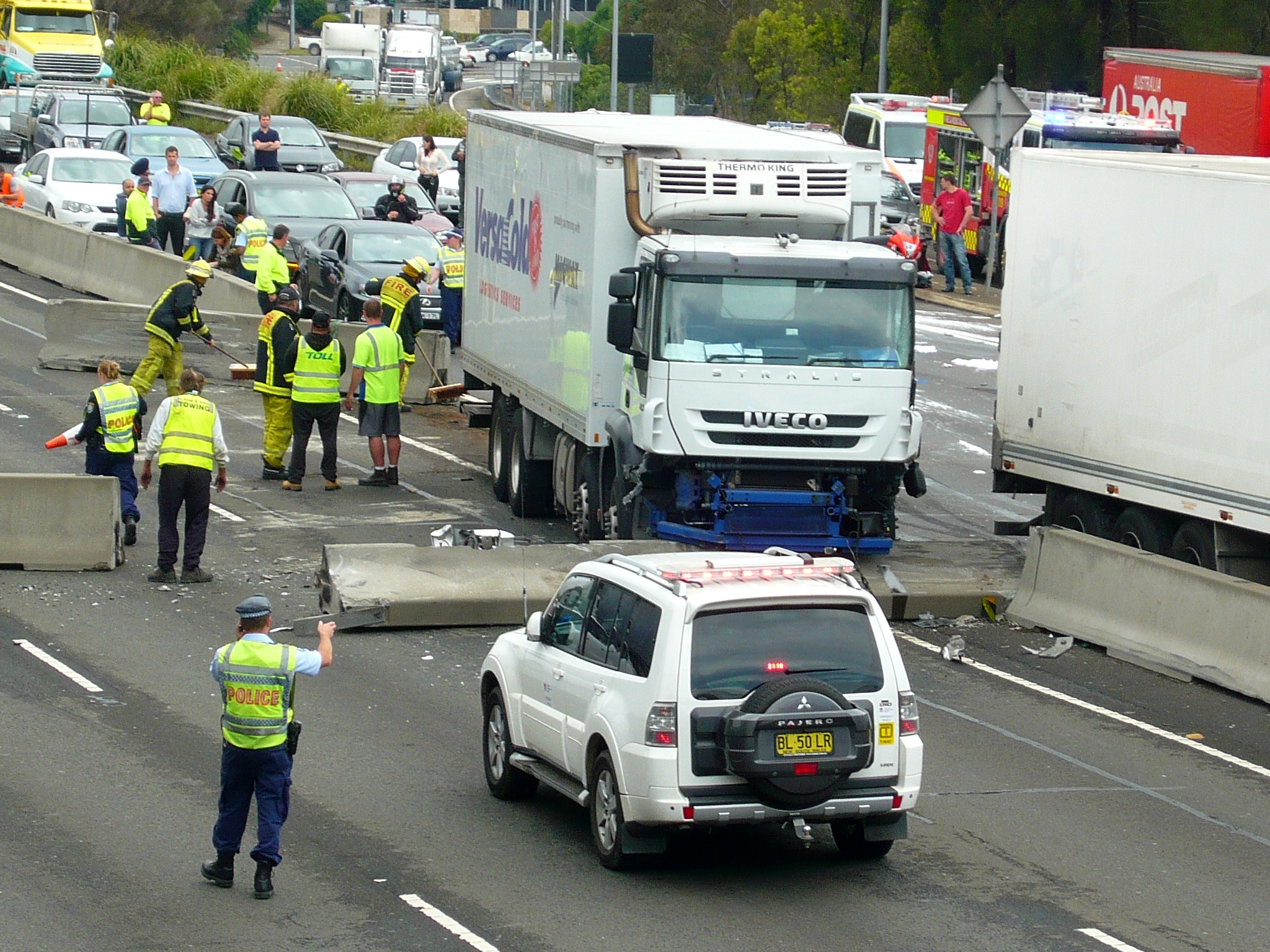 File:Multi vehicle accident - M4 Motorway, Sydney, NSW