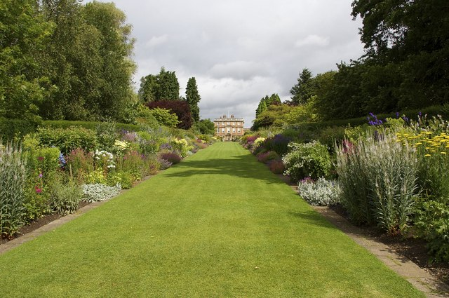 Newby Hall, Herbaceous Borders - geograph.org.uk - 1544626