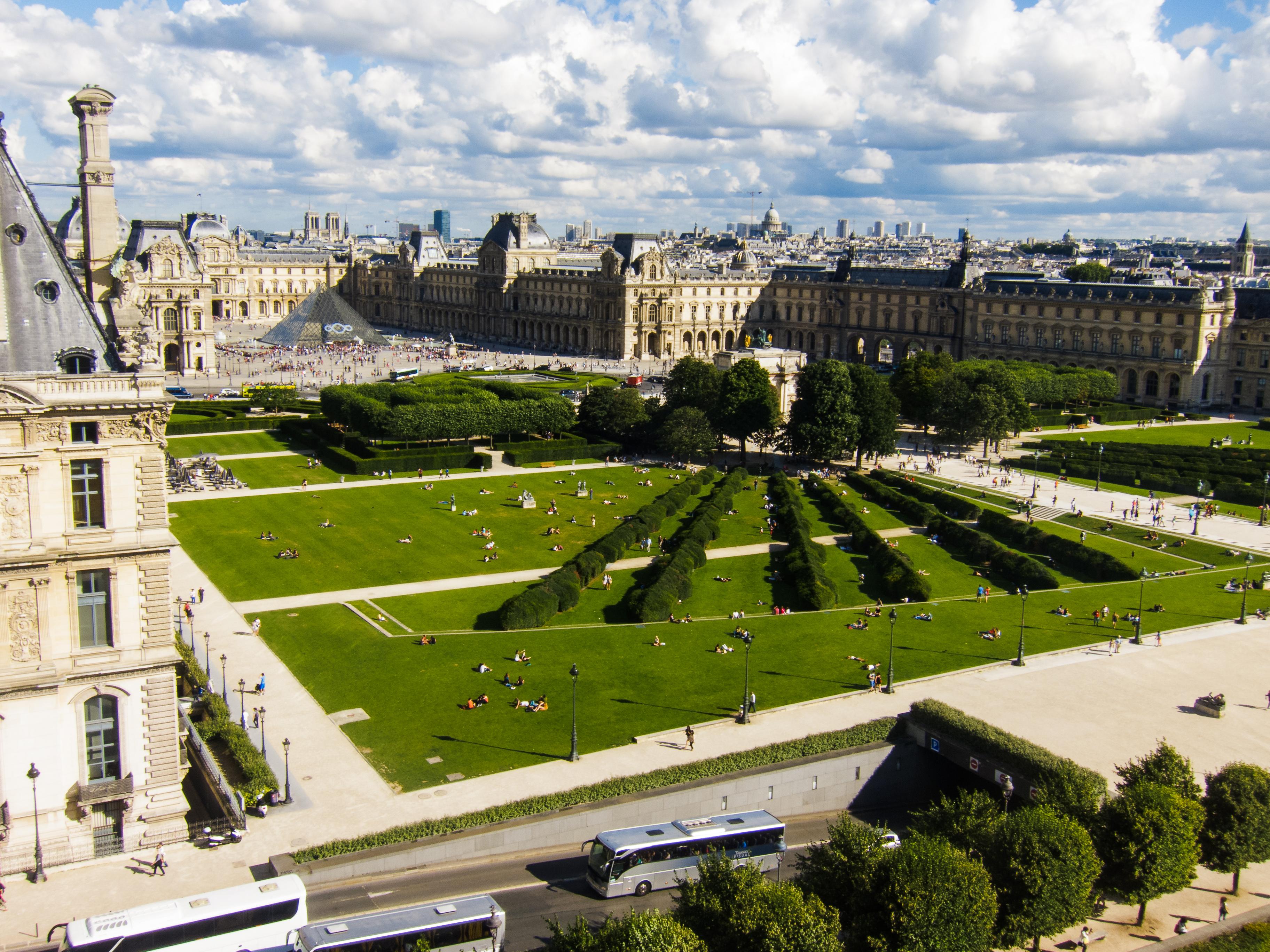 File paris 20130809 jardins du carrousel from grande for Jardins des tuilerie